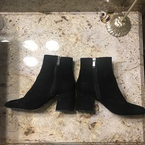 Zara Shoes - ZARA HIGH HEEL ANKLE BOOT W WAVY DETAIL